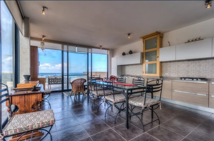 Main Photo of a 3 bedroom  Penthouse for sale