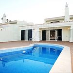 Refined and spacious 3 bedroom villa with pool in Golf Country Club, Algarve