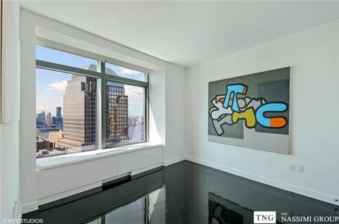 This unique house offers amazing views of 9/11 Memorial Park, Statue of Liberty, the river and city of Manhattan from every window of the residence. W Hotel's signature WHATEVER/WHENEVER service and hotel amenities are available 24/7/365. The lobby i...
