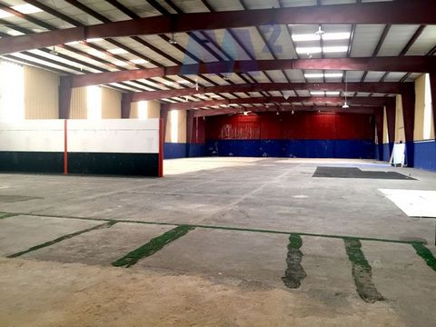Industrial Warehouse for sale in Ocaña, with 20 and344 ft2.