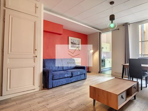 Located next to the Place des Terreaux, 10 minutes walk from the Parc de l'Tête d'Or, close to all shops and public transport, this T1 BIS of 40 m2 on a high floor with elevator, overlooking a quiet courtyard, is in excellent condition. This property...