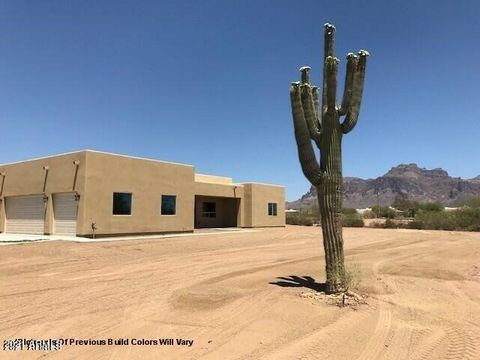 New Construction for approx. late-2021 completion. ***GORGEOUS VIEWS*** SEMI-CUSTOM BUILT *** 3 CAR GARAGE*** This home is truly amazing. Built with extraordinary attention to detail. Very open split 4 bedroom 2 bath floorplan. Over 400sq ft covered ...
