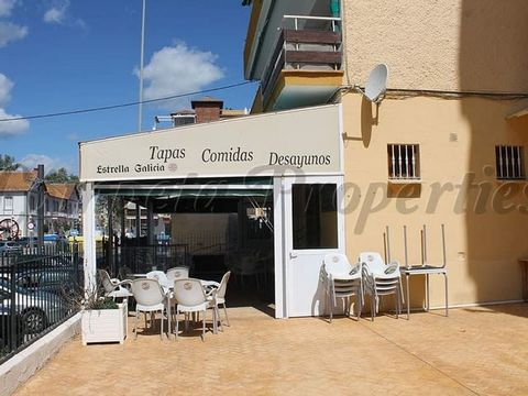 Nice opportunity to rent a local in Torre del Mar. 2 Rooms, industrial kitchen and a nice terrace.