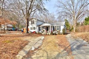 Located in Alpharetta. PRICE REDUCTION BY $25,000. TONS OF SERIOUS INTEREST. JUST TAKE THE PLUNGE! LOCATION CANNOT GET ANY BETTER FOR THE PRICE! OPEN TO NEGOTIATION. WALK TO EVERYTHING! .8 MILES FROM DOWNTOWN ALPHARETTA AND .8 TO AVALON! ALPHARETTA H...