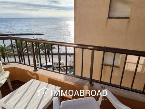 We sell beautiful Apartment of 47 M2 built, with spectacular direct views of the Mediterranean Sea, promenade and Alghero beach, distributed in living room / dining room, kitchen, 1 double bedroom, 1 bathroom and 1 balcony; in addition to communal te...