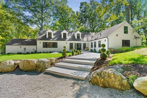 Chic, completely renovated country home on a gorgeous quintessentially Pound Ridge road just a mile from the super charming town of Scotts Corners. Totally private getaway one hour from NYC with a beautiful new heated pool, picturesque pond and separ...