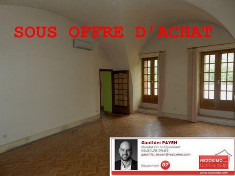 Ardèche, à Flaviac, nous vous proposons en exclusivité notre appartement de 127m² environ. Il dispose d'un vaste salon séjour de 40m², d'unee grande c