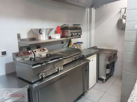 North (59), for sale in LOOS, a business close to the CHR, completely renovated. This restaurant is ideally located, has a modern decoration and is equipped with a professional kitchen (pizza oven, cold room, extractor hood ...). The turnover is subs...