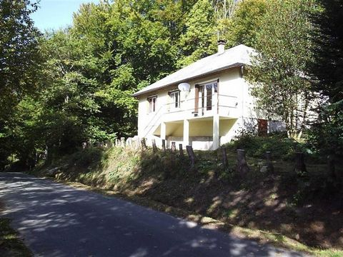 Superb 3 Bedroom House in Correze France Euroresales Property ID – 9824625 Property information: This superb property includes 3 Bedrooms included throughout. Along with the bedrooms there is also 1 bathroom included. The property will be sold furnis...