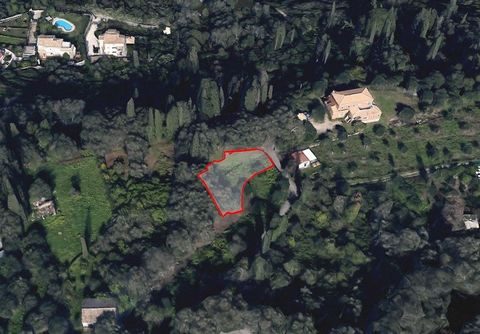 Corfu, Kyra Chrisikou area, for sale plot of land of 2.306 sq.m. The property has a building permit, bordered with Danelia and Kontokali area and has a great sea view. Distance from the sea – 1.5 km, distance from the city of Corfu – 4 km. Price 320....