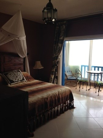 Apartment located in a guarded residential complex in the village of Cabo Negro (near the Petit Merou hotel). Beach resort of Cabo Negro, at the northern tip of Morocco, at the height of Tangier (55 km, the very spacious Apartment (194 m²), with terr...