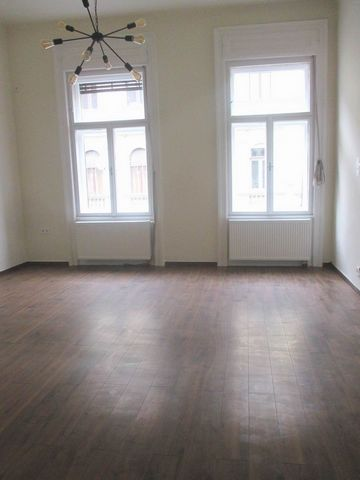 Budapest VI. district in Szondi street in a 3-storey house on the 2nd floor 64 sqm, 2 rooms, renovated flat for sale. The house is in a good condition, elevator is not available. The living room and bedroom are facing to the bright street. Kitchen wi...