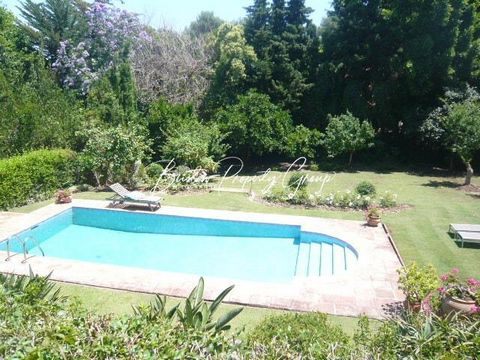 Villa Jacaranda is located within the southern side of Sotogrande. This villa is a one storey property and offers a free Wi-Fi internet connection. The villa offers a private pool within spacious landscaped gardens. Fully equipped kitchen with microw...