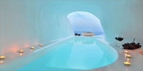 The hotel is located in a cave that was the residence of sailors in 1875. Today, after a complete restoration, it has become a gem, retaining its traditional curved shape in the Aegean style with pearl white walls. Featuring a cozy bedroom, adjoining...