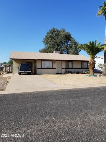 Great opportunity to own a 3 bedroom 2 bath home with no HOA! Eat-in kitchen with tile floors, inside laundry off kitchen comes with washer and dryer and has storage shelves. Newer AC - 7 yrs old. Large fenced in backyard with Superstition Mountain v...