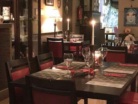 THE IVY WINE BAR. La oportunidad ha surgido para que alguien compre un bar / restaurante muy aclamado debido a la jubilación de los propietarios. Está ubicado en el corazón de La Alcaidesa, en la plaza Loma del Rey. La cocina es de buen tamaño, total...