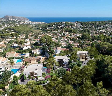 Modern 3 bedroom villa in Moraira, with private pool and beautiful sea views, just 2.5 km from the beach. New luxury Villa offering sea views and pleasant open views towards Moraira, very well located in a quiet neighbourhood just 2.5 km from the bea...