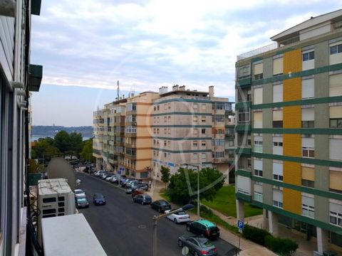 This admirable furnished apartment is characterised by its wide areas and luminosity provided by the large windows surrounding it. The large living room is divided into two areas: living room and dining room. The spacious kitchen is fully equipped an...