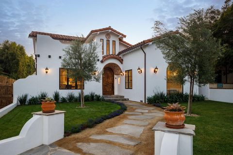 Modern Spanish showpiece blending bygone elegance with present day state-of-the-art living; an easy stroll to the beach and Montana Ave's shops and restaurants. Completely rebuilt & expanded utilizing the finest craftsmanship, materials and finishes,...
