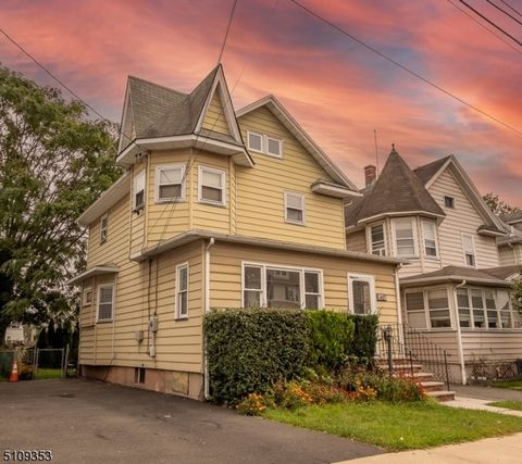 This charming colonial home has 3 bedrooms, 1 full & 1 half bath, spacious & modern kitchen, hardwood floors, front & back enclosed porches, a walk-up attic, and a full basement. Super convenient location near the parkway, Main St., multiple bus stop...