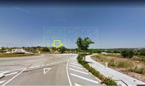 Lot of industrial land in tavira business park. It has all infrastructures completed (water, electricity and sewage network). This plot of 3595m2 allows a construction 7191m2. 2 floors above ground and 1 floor below ground. Maximum height of 10 meter...