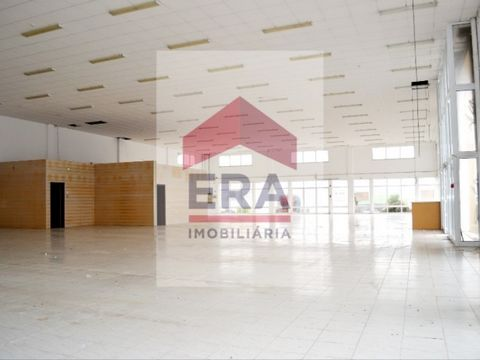720m2 warehouse. With Office. Own bathroom. Excellent location. In the city centre. In commercial and industrial zone. Energy Rating: D #ref:150170224