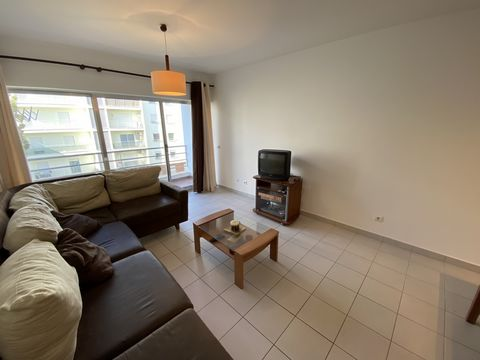 For sale 1 bedroom apartment located in the Encosta da Marina area in Portimão, a few meters from Praia da Rocha, with some furniture, consisting of entrance hall, living room and with access to balcony, equipped kitchen, bedroom with a built-in ward...