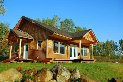 Turnkey business opportunity. Well established and highly sought after B&B property located in the tourist attraction Wells Gray Park, British Columbia. The Wilderness house is an ideal accommodation for guests who are looking for luxury in a fabulou...
