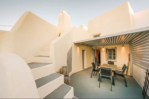 The villa, built in 1950, is set in two separate parts. The first one is a 42 sq Cave Studio which hosts up to 4 people. It consists of a living room, an equipped kitchen, bathroom and bedroom, it also features a small sunny courtyard with an outdoor...