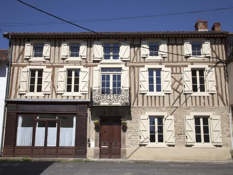 A town centre period property with a Gite, in the heart of historic Castelnau-Magnoac. A truly rare property offering over 300m² of habitable space, completely renovated to a high standard, yet preserving all the warmth and charm of its history. On t...