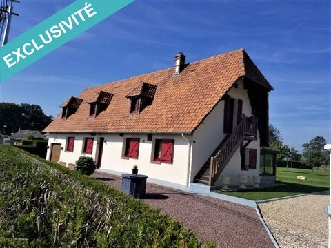 Superb traditional house built on a closed and wooded plot of 2173 m² including more than 25 fruit trees as well as 2 chalets and an outdoor kitchen. Located in a town of the Parc Naturel Régional des boucles de la seine normande, 5 minutes from the ...