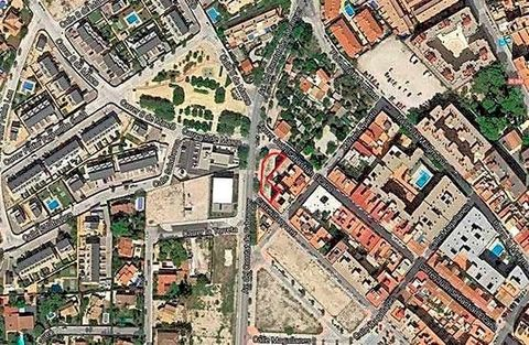 Set of 40 floors for sale in San Juan de Alicante (Alicante). Urban land for predominant residential use with work in management located in the Alicante town of Sant Joan d'Alacant. It has a total of 2,406 m2t and an area of 2,406 m2. It is a plot lo...
