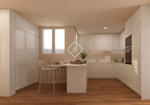 The apartment is part of a new project in a stately mid-twentieth-century building, completely renovated with high-end qualities and a modern design. In short, a transformed classic building that enjoys a privileged location, near the centre of Barce...