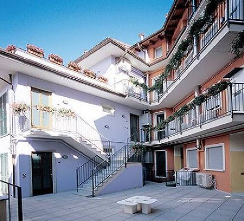 THESE PROPERTIES ARE ONLY AVAILABLE BY REQUEST. YOU WILL BE NOTIFIED WITHIN A FEW DAYS OF YOUR RESERVATION IF THE ACCOMMODATION IS AVAILABLE. This apartment is located in a beautiful and modern holiday complex situated in the center of Baveno, on Lak...