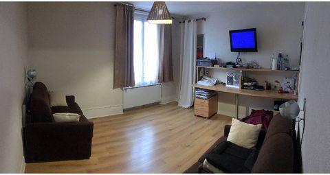 Charmant F1 meublé de 29m² à ORSAY dans le quartier bas du Guichet, composé comme suit : Entrée, pièce principale, une salle d'eau, un WC, une cuisine
