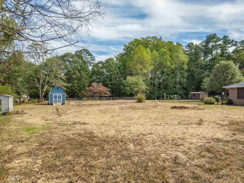 Located in Alpharetta. Rare residential lot in the heart of downtown Alpharetta approx 1/2 acre cleared and ready for your dream home. Great lifestyle living, steps from downtown historic district, restaurants, shops, parks and more. Lot dimensions a...