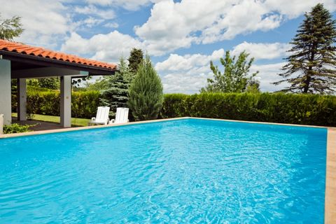 We are pleased to offer you this fully furnished property, which is part of a holiday complex within short walking distance to the sandy beach. The house is situated in Kranevo – lovely seaside village set between 2 of the largest resorts in Bulgaria...