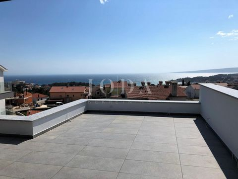Location: Primorsko-goranska županija, Krk, Krk. Town of Krk - penthouse on the second floor of a modern new building with a beautiful view of the sea and the old town center of Krk. The apartment consists of three bedrooms, kitchen, living room and ...