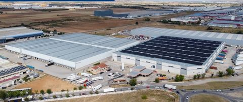 Logistic Warehouse for rent in Alovera, with 83,952 m2 and Loading Dock.