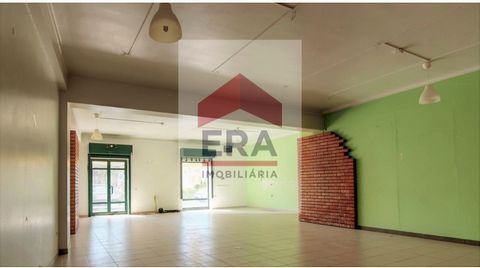 Shop for sale. With 118m2. 30 m 2 warehouse. Excellent location. In the city centre. Energy Rating: B #ref:150090041
