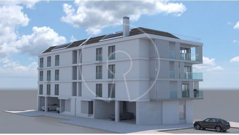 This modern apartment consists of: - 3 en-suite bedrooms, one of them with dressing area and access to a balcony. - 1 Bedroom - A full bathroom - Living room (33,80 sqm) with access to a balcony - Kitchen Parking + garage for three vehicles. This dev...