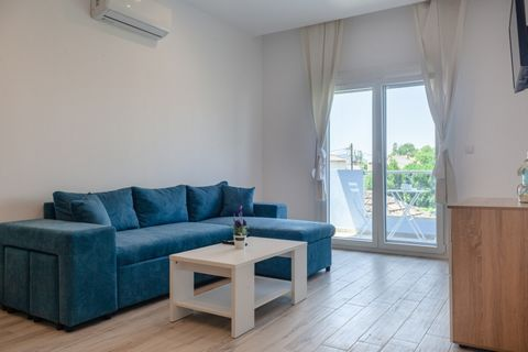 Property Code: 21103 - Apartment FOR RENT in Thasos Limenas for €450. This 72 sq. m. Apartment is built on the 1 st floor and features 2 Bedrooms, Kitchen-livingroom, Bathroom The property also enjoys Heating system: Air conditioner, Window frames: A...