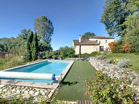 Lots of character for this completely renovated countryside house just 12km from Gaillac offering around 190 m² of living space, 3 bedrooms 2 ensuite, 8 x 4m salt swimming pool, carport for 2 cars, large cellar and around 6090m2 of land. Ideally loca...