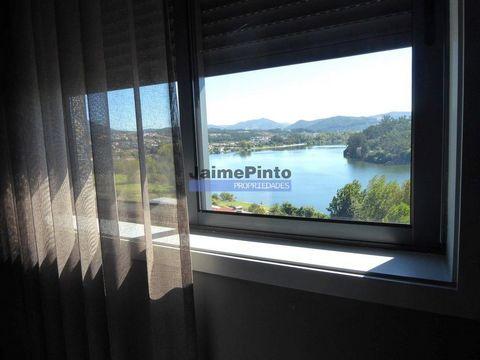 Hotel pequeno, Restaurante, Moradia. Portugal, Porto, Gondomar. Vende-se pequena unidade Hoteleira com restaurante em imóvel com vista para o rio Douro, a cerca de 300 metros do rio. Unidade hoteleira com 10 quartos, restaurante luxuoso com 80 lugare...