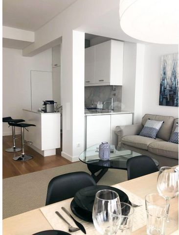 1 bedroom apartment for rent with furniture, located on the outskirts of Av. da Liberdade, in one of the noblest areas of Lisbon. Property fully refurbished with great finishes, equipped and decorated, consisting of: Living room of 25sqm with kitchen...