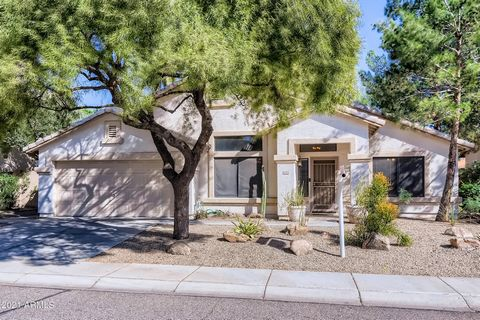 This is the beautiful remodel you've been looking for! The floors, kitchen and baths were all remodeled over the last 3 years - gorgeous vinyl plank flooring throughout - no carpet at all - tasteful quartz counter tops, master bath shower, upgraded l...