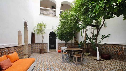 Charming riad ideally located just 2 minutes from the famous Jamaa El Fna square, markets and souks. Composed of 4 bedrooms and 2 living rooms, Riad Anna is a gem that combines traditional architecture and modern design. The riad opens onto a central...