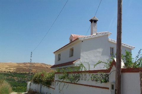 AN IDEAL PROPERTY FOR SOMEONE WANTING TO RUN A SMALL B&B BUSINESS NEAR ALORA. Detached country villa on 3,000m2 of lemon grove. The property is 200m2 built over 3 levels and currently offers 2 separate units of living accommodation. This is an ideal ...