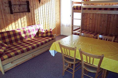 La résidence le Schuss, sans ascenseur, se situe dans la station de ski de Vars les Claux dans les Alpes du Sud. Les pistes de ski et les remontées mécaniques se trouvent à seulement 50 m de la résidence. Le bâtiment est à 100 m du centre du village ...