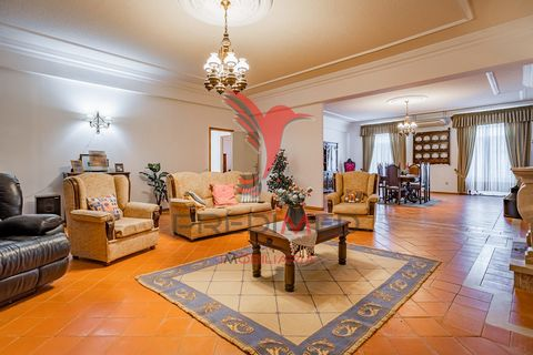 This property is sold in conjunction with the property that has ref. 020277 (both sold for a single price of: 865.000€) There is entrance to the friendly village of Torrão - Alentejo, on the edge of National Road No. 2, you will find a manor house wi...